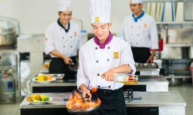 Trường hướng nghiệp Á Âu - dạy nấu ăn và ẩm thực