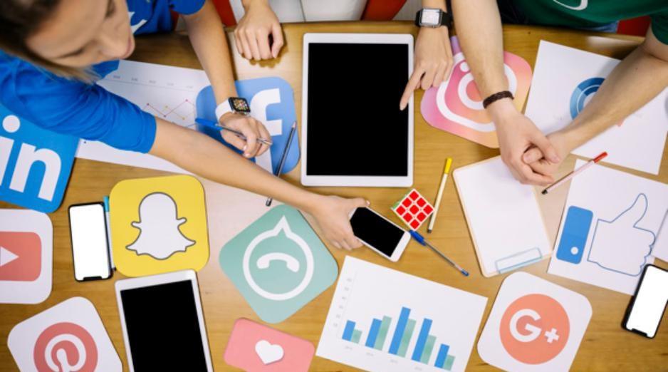 Tích hợp các trang mạng xã hội